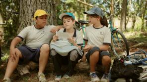 Erik Kauã (Luban), Lucca Rocha (Vinci) e Náthali Seleprim (Dorim)