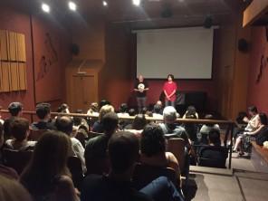 O produtor executivo Rogério Rodrigues e o diretor Felipe Iesbick apresentam a série.