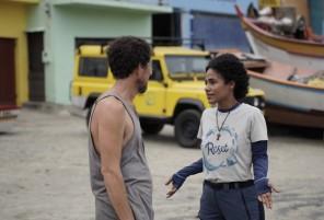 O ator Alexandre Accorssi (Darci) contracenando com Naruna Costa (Ana, ds ONG Reset)