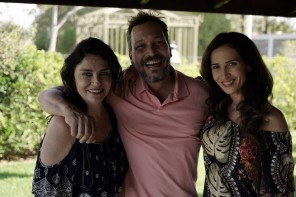 Os atores mineiros Rose Brant (Sabina) e Bruno Costa (ademir) com a brasileiríssima Ingra Lyberato (Adélia).