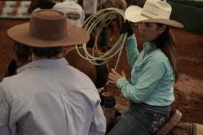 A campeã no laço, Jacqueline Cotini, ensaiando junto com Miguel Coelho, na Prova do Issao,na Arena do Rancho Quarto de Milha.