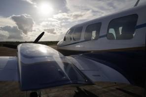 """Avião Embraer EMB 820 """"Navajo"""", utilizado para as cenas aéreas do filme."""